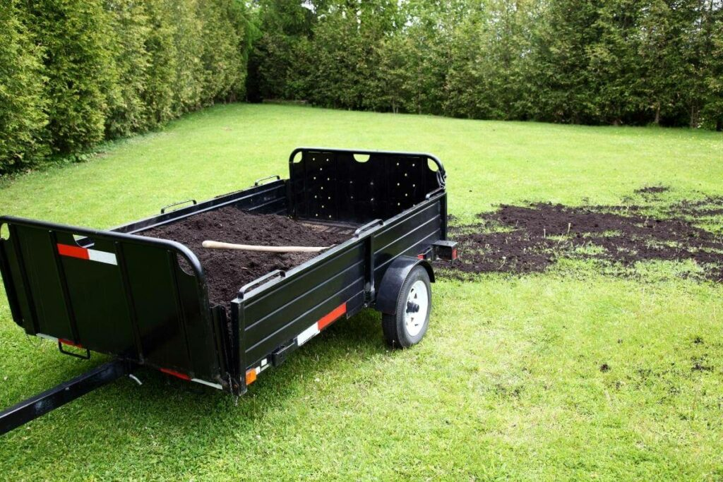 How Much Compost Should I Use on a Lawn?