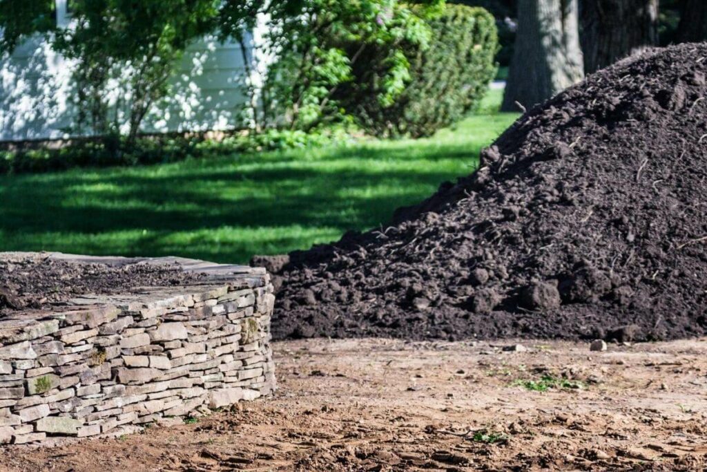 Tips for gardeners for getting topsoil